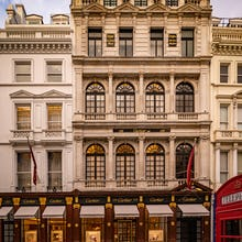 Cartier store on New Bond Street is a popular spot for photographers before Christmas