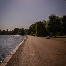 There is a path around the Serpentine lake offering great scenery