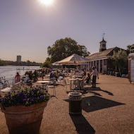 Lido Cafe offers seating with a gorgeous view right next to the Serpentine