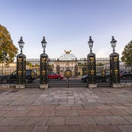 Gate towards the Queens House