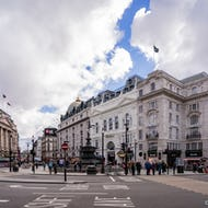 Piccadilly Circus buildings
