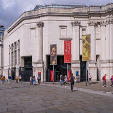 Side entrance of the National Gallery